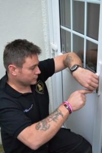 Plymouth Locksmith picking uPVC door cylinder lock